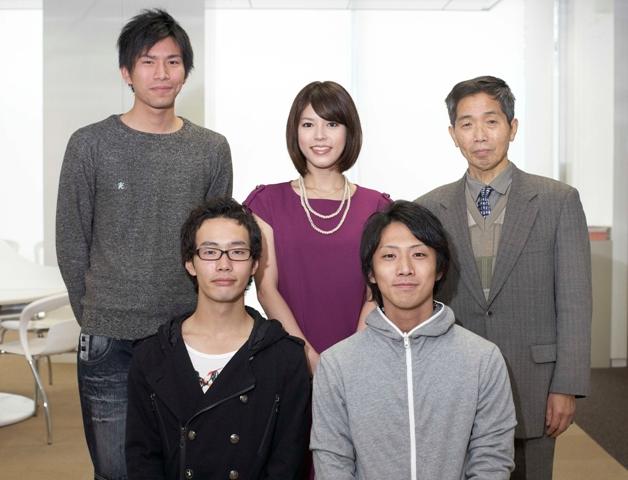 2010年度の飯高研究所のメンバーと神田さんの写真