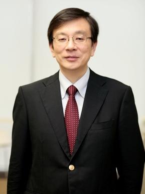 秋山 崇彦 教授の写真